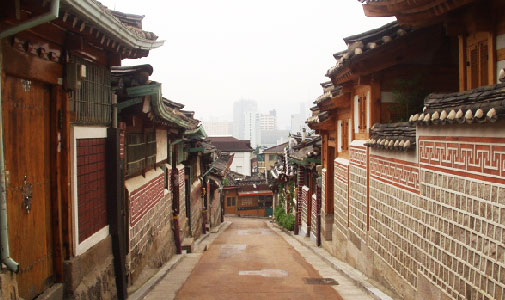 Bukchon Hanok Village/Photo: http://jaehoonj.wordpress.com/